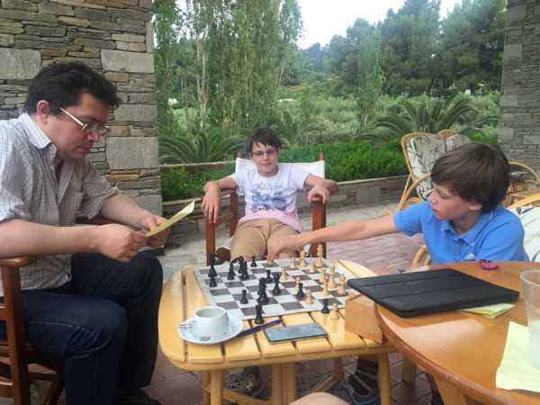 Как увлечь ребенка шахматами: 7 способов