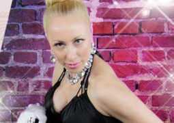 """Шикарное видео «Как разбудить свою сексуальность""""со стихами и танцем от Влады Парфэ"""