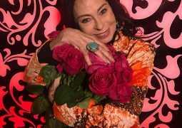 Марина Хлебникова поставит памятник мужу-самоубийце